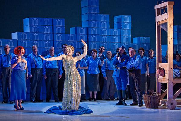 Mary Turner / <i>Let 'Em Eat Cake</i> / Opera North